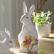 sittiing rabbit figurine