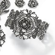 rose crystal stretch bangle