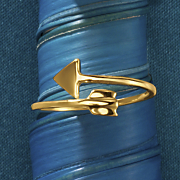 10k gold arrow ring