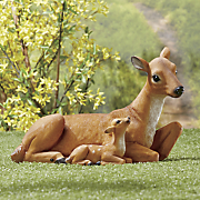 mother and baby deer lawn figurine