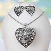 heart and scroll necklace earring set