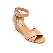 nilla wedge sandal by steve madden