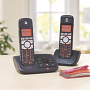 2 Handset Cordless Phone with Answering Machine by Motorola