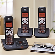3 handset cordless phone with answering machine by motorola