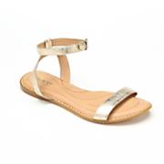 stephane sandal by born