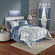 avery comforter  accent pillow and window treatments