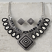 black ivory necklace earring set