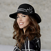 Brimmed Hat with Houndstooth Band