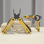 2 pc  multi tool set by dewalt