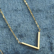 10k gold v necklace 204