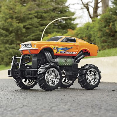 RC Rumble-N-Roar '67 Ford Mustang