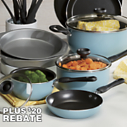 17 pc  cookware set by farberware