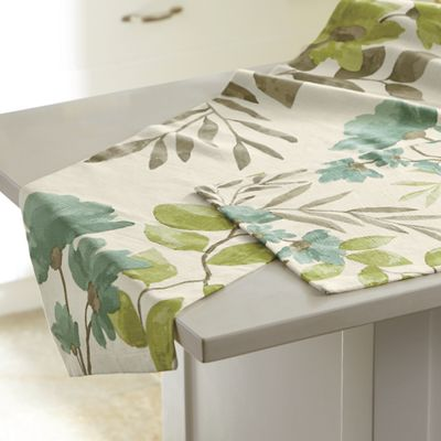 Sasha Table Runner and Placemat Set