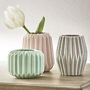 set of 3 porcelain vases