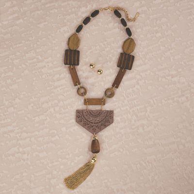 Wood Goldtone Necklace & Earring Set