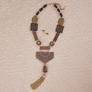wood goldtone necklace   earring set