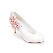 side flower pump by midnight velvet
