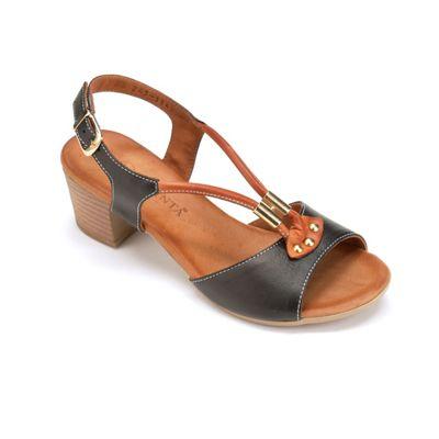 Contrast Leather Sandal by La Pinta