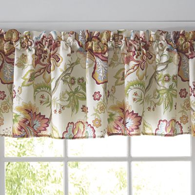 Bethany Valance, Runner and Placemats