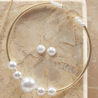 Faux Pearl Collar Necklace/Earring Set