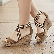 embroidered stretch band wedge by monroe and main