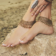 ball accented ankle bracelet