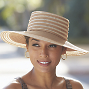 feminine brimmed hat