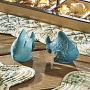 set of 2 fish salt   pepper shakers