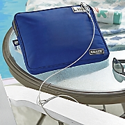 locking pool pouch