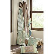 naomi oversized quilt and sham