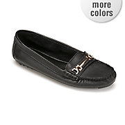 evalynn loafer by monroe and main