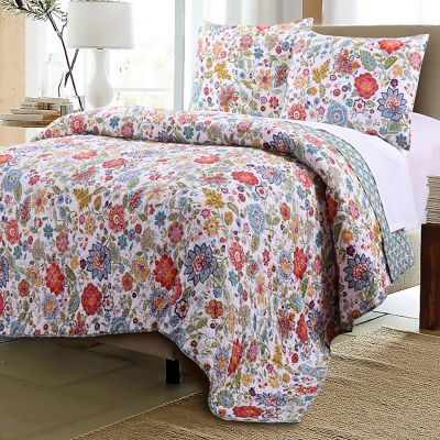 Astoria Quilt Set, Window Treatments and Throw