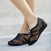 mallorie wedge by soft style