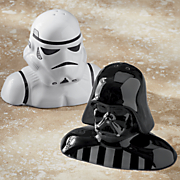 star wars darth vader   stormtrooper salt   pepper set