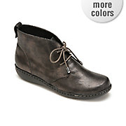 jinger bootie by soft style