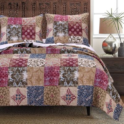 Charmed Cranberry Quilt Set and Throw