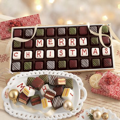 'Merry Christmas' Petits Fours