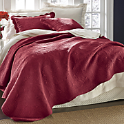 Chateau Oversized Reversible Quilt and Sham
