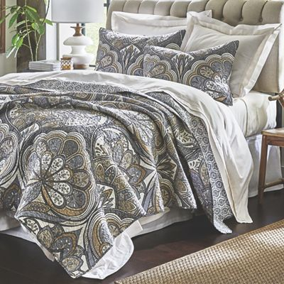 Venetian Oversized Quilt and Sham