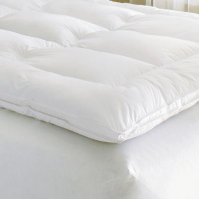 Luxury Mattress Topper with Free Pillows from Innergy<sup class='mark'> &trade;</sup> by Therapedic<sup class='mark'> &trade;</sup>