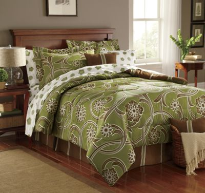 Traditions Bed Set, Decorative Pillow and Window Treatments