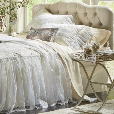 Veronica Bedspread and Sham