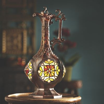Stained Glass Ornate Vase Table Lamp