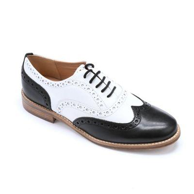 Casper Shoe by Vanilla Moon