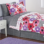 Kailyn Complete Bed Set and Valance