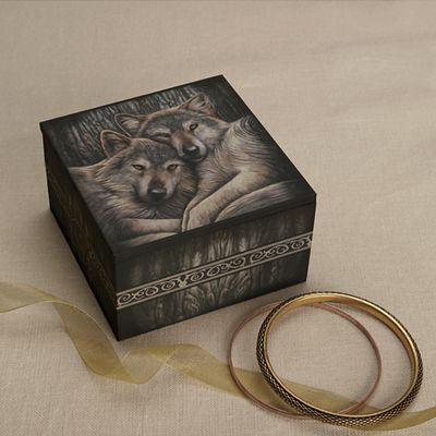 Wolves Keepsake Box