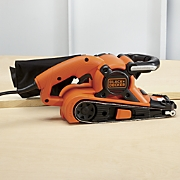 dragster belt sander by black   decker