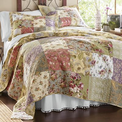Blooming Prairie Oversized Quilt and Sham