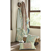 palisades oversized quilt and sham