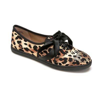 Schooner Shoe by Jrenee